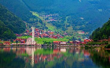 ウズンギョル湖