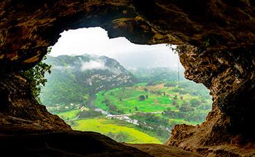 太古から現代への窓『洞窟の窓(クエバ・ベンタナ)』